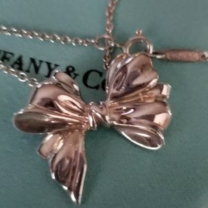 TIFFANY RETIRED BIG BOW NECKLACE